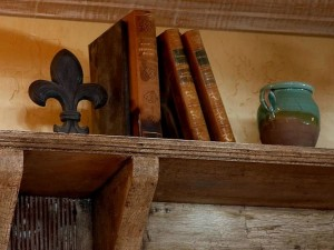books-on-a-shelf_w725_h544