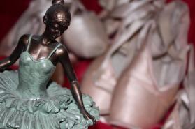 dance_shoes_woman_dancing